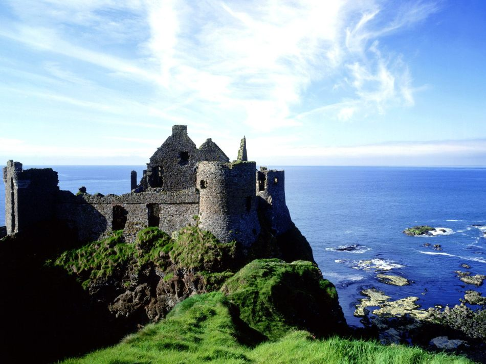 Image of castle with the sea in the background